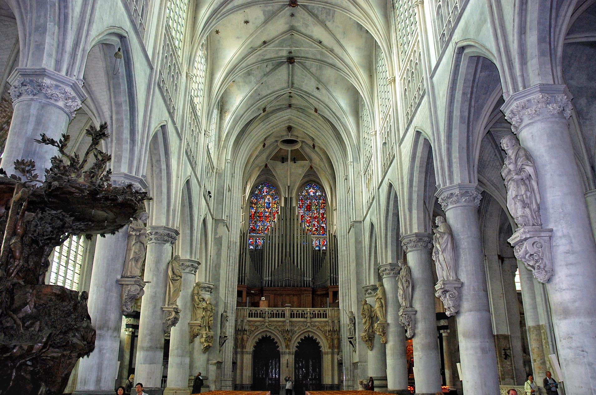 Sint romboutskathedraal stad mechelen for Interieur mechelen